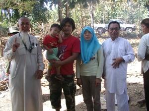 keluarga muslim cina di perbukitan doi pha chang provinsi pha yao thailand utara