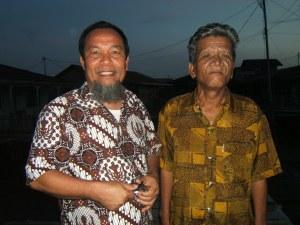 Udin Lubis dari Medan hampir 40 tahun menetap di Pulau Belakang Padang, teman di waktu kecil dulu...........
