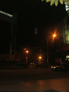 Sudur Kota Kuala Lumpur di waktu malam Pudu Raya terlihat Menara Malysia dikajauhan