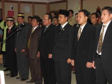 Pelantiakn anggota BPSK Kota Batam tanggal 18 Desember 2008