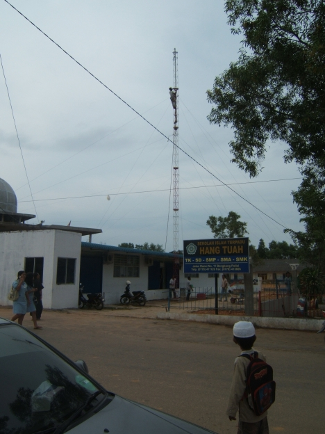 Tower antene tv hang tuah