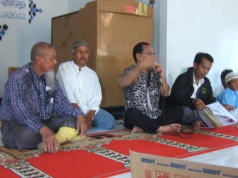 Ustaz Abdul Wahan dari Kedah Malaysia, Ustaz Abdullah dari Ngenang Batam, Imbalo Iman Sakti dari Batam, Daud Jaru dari Krabi Thailand di Masjid Pulau Air Mas 14 Mei 2009