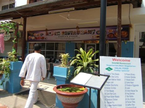 Salah satu restoran halal di Viantiane (Laos)