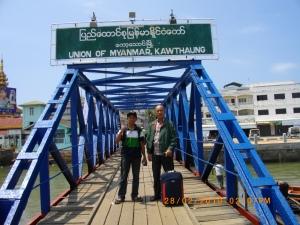 Foto Mustaqim Mustafa - Don't Tell My Mother I'm In Union of Myanmar