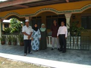 rumah kediaman kakak Noordin M Top di Kampung Melayu Pontian Johor