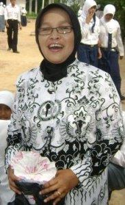 Ibu Ely Emeli Zola, tertipu dokter dan polisi gadungan