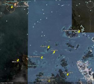 P Semakau Indonesia dan P Semakau Singapura berhadapan lngsung arah barat daya
