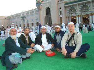 Muslim Uighur di Tanah Suci....... tidak mudah bagi mereka bebas melaksanakan kewajiban agamanya.