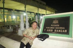 Pusara Tengku Amir Hamzah Putra Langkat , Pahlawan Nasional