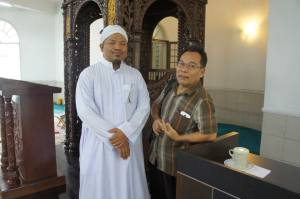 Bersama  Imam Masjid Temenggong Daeng Ibrahim Teluk Belanga