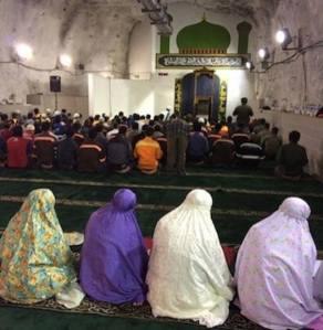 masjid dalam bumi
